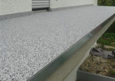 Balkonbelag-Spachtelung-Betonsanierung-Steinteppich-details1