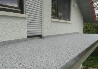 Balkonsanierung-Spachtelung-Betonsanierung-Steinteppich