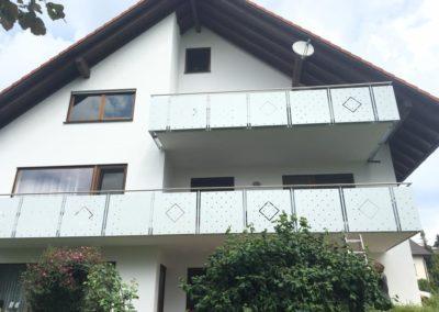 Komplettsanierung-balkonboden-steinteppich-geländer-wellendingen-1