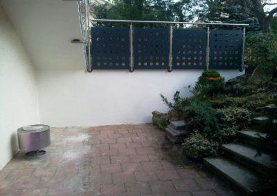 Terrassengeländer-Pfostenmontage-von-unten-undseitlich1
