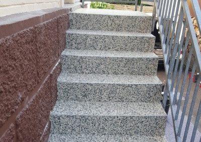 Treppenbeschichtung-haueingang-mit-wandbeschichtung-400x300